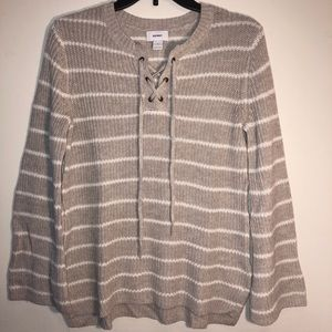 Old navy bell sleeve sweater